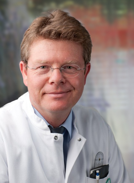 Dr. Andreas Reinhardt
